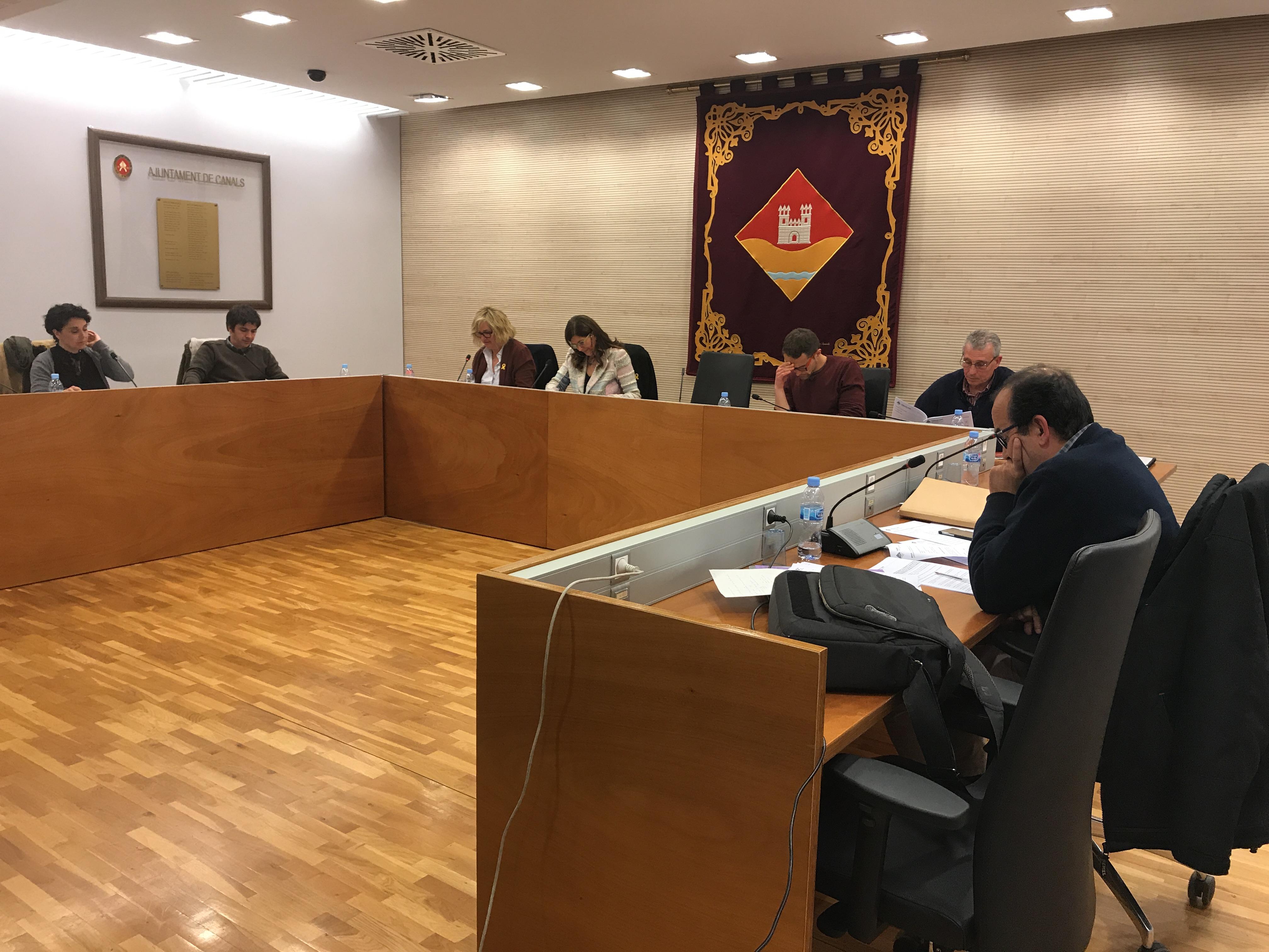 Valldoreix acorda implantar la parada a demanda al transport urbà i homenatjar a Guillem Agulló