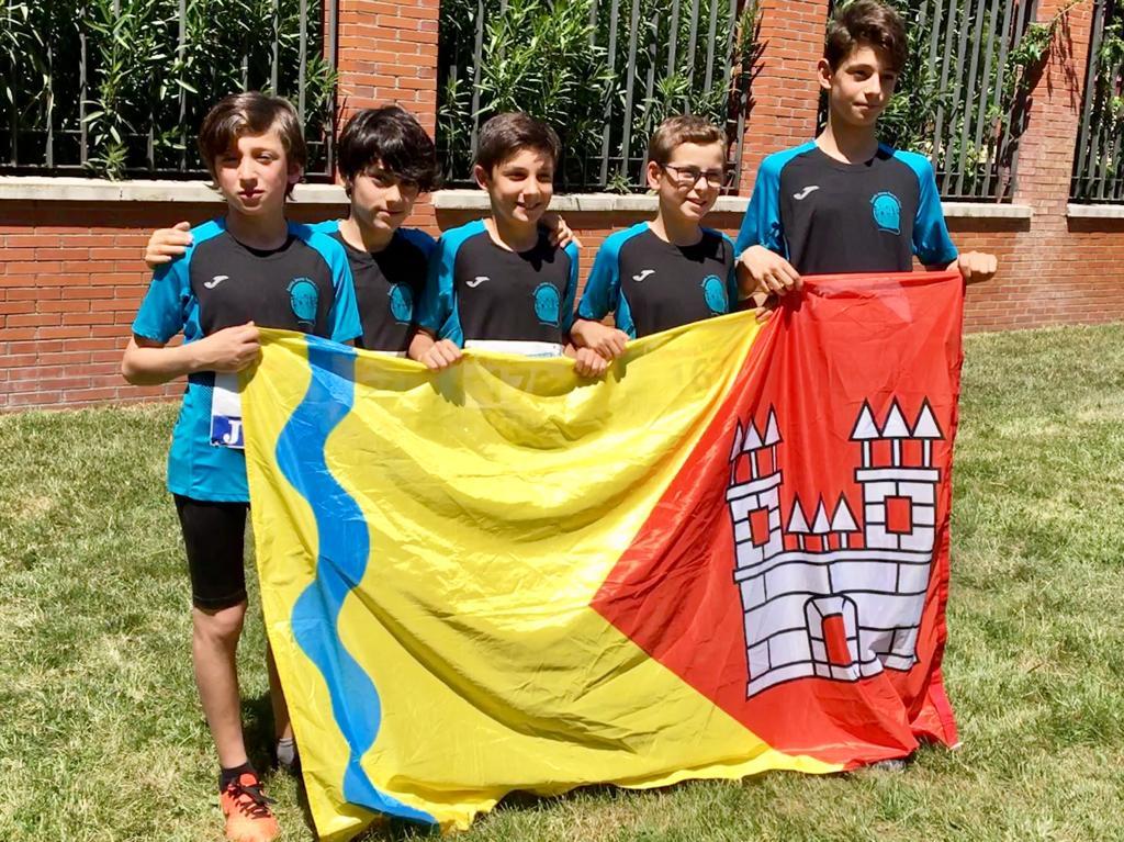 L'equip del Ferran i Clua acaba 8è al campionat estatal de 'Jugando al atletismo'