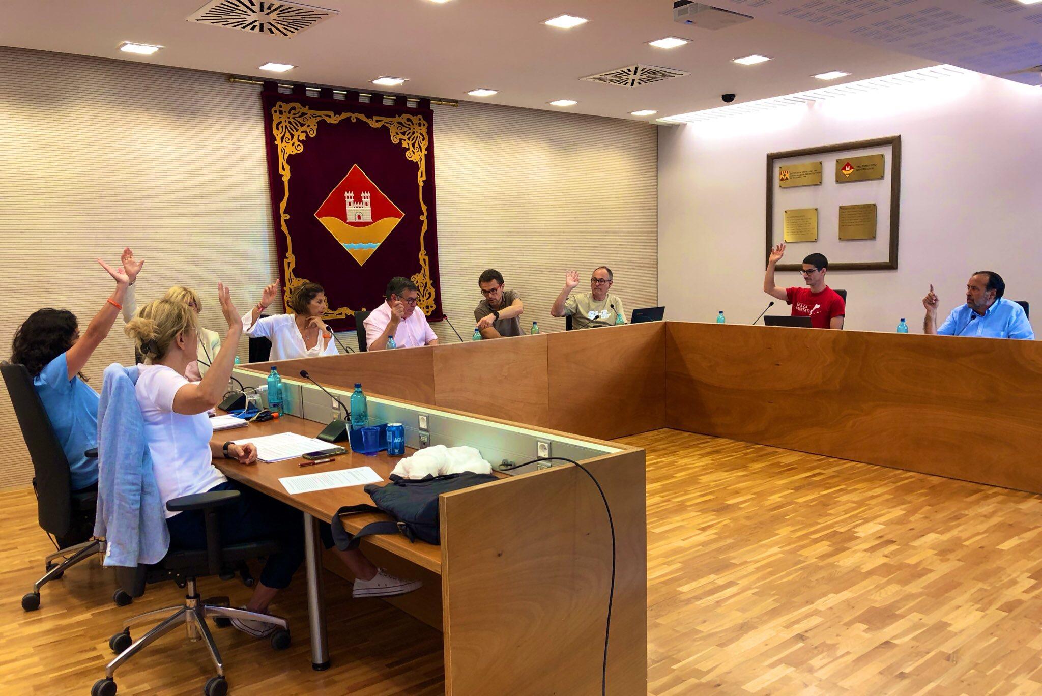 El Ple de Valldoreix es compromet amb l'emergència climàtica, la lluita contra la violència masclista i la transparència